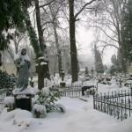 Czego cmentarze i pogrzeby uczą mnie o życiu?