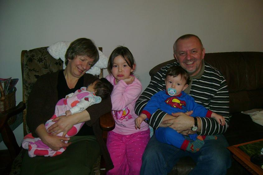 Z żoną i wnukami.