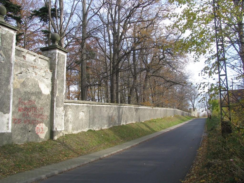 Mur pałacowy