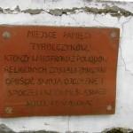 Tbalica na pomniku.