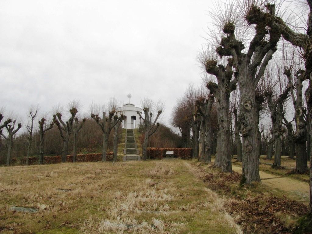 Cmentarz Boża Rola w Herrnhut. Wieża Hutberg.